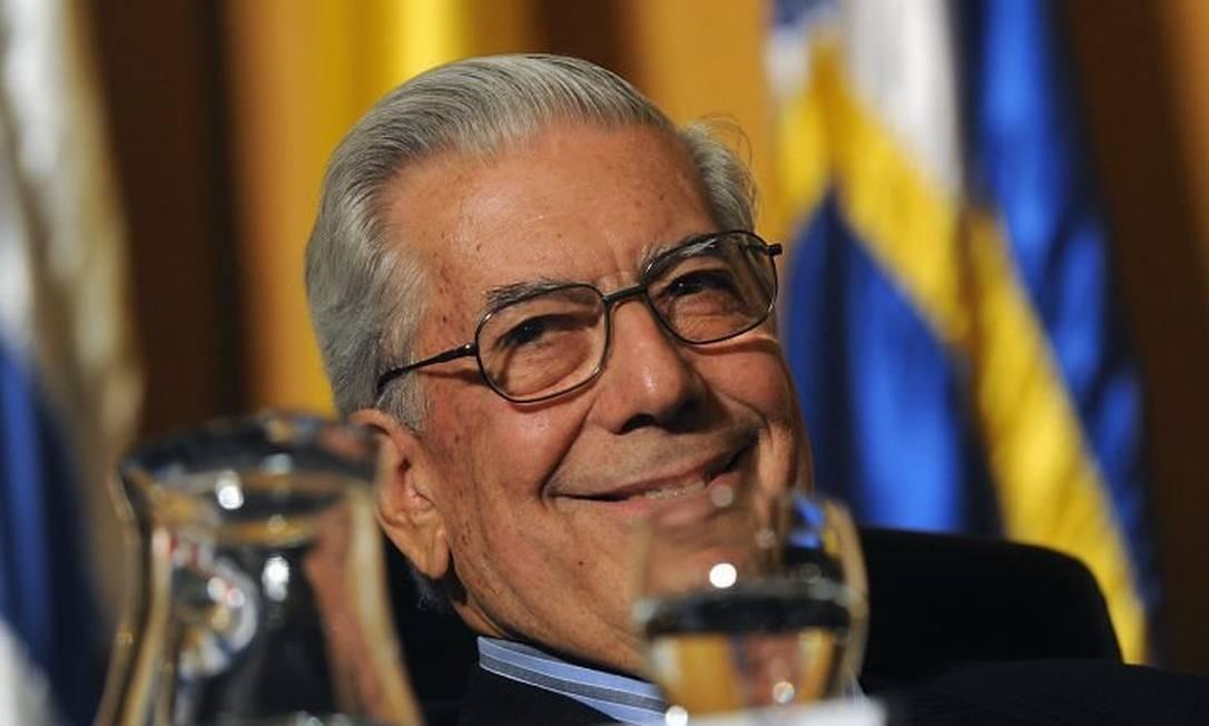 O escritor Mario Vargas Llosa participa nesta quarta-feira da abertura da Feira do Livro de Buenos Aires AFP