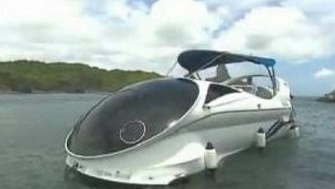 Embarcação que permite ver fundo do mar é de fabricação russa - Reprodução TV Globo