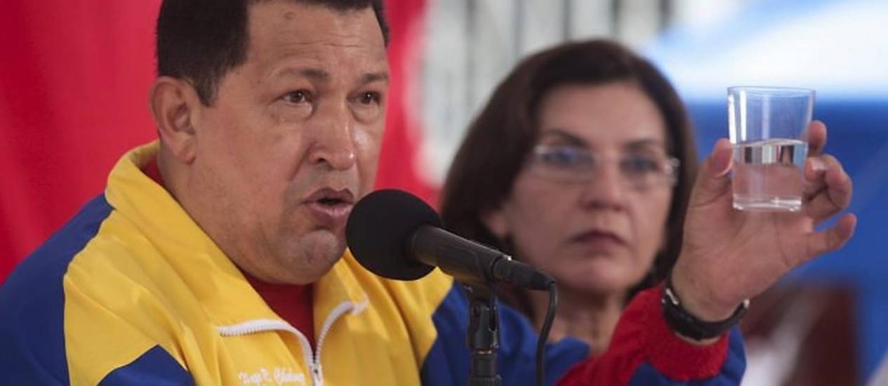 Hugo Chávez participa de evento pelo Dia Mundial da Água, em Caracas - Reuters