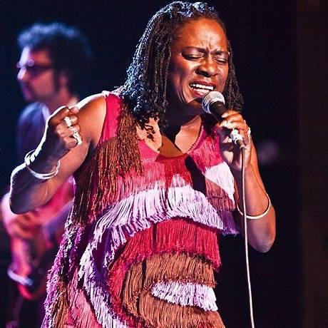 A cantora de soul Sharon Jones Foto: Divulgação