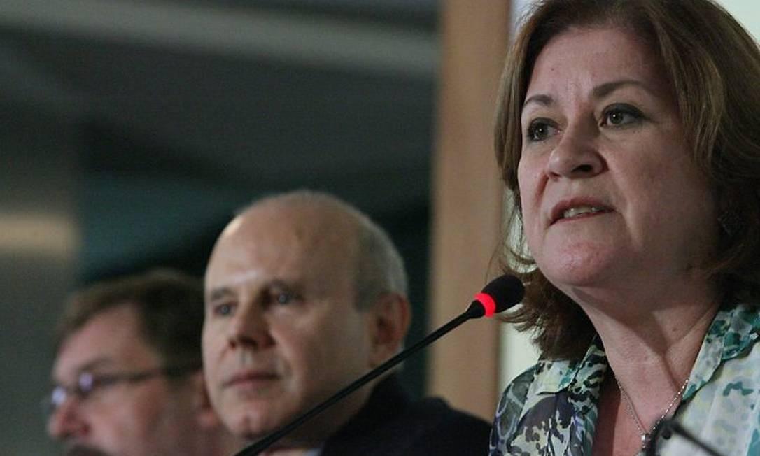 Em entrevista coletiva, os ministros Guido Mantega (Fazenda) e Miriam Belchior (Planejamento) detalham quais serão as áreas afetadas pelo corte de R$ 50 bilhões no Orçamento 2011 - André Coelho O Globo