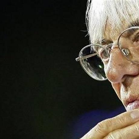 Ecclestone busca meios de tornar as provas mais emocionantes. Foto: Reuters