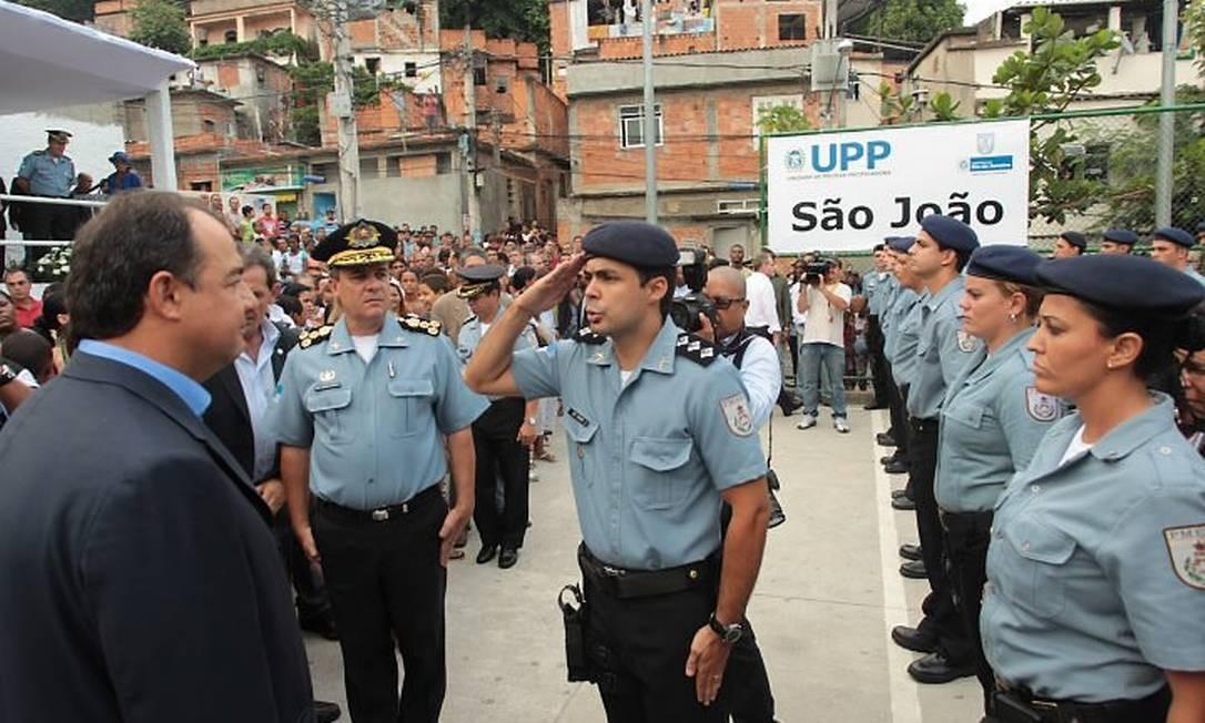 O governador Sérgio Cabral inaugura as instalações provisórias da 14ª Unidade de Polícia Pacificadora (UPP) no Morro do São João, no Engenho Novo - Gabriel de Paiva O Globo