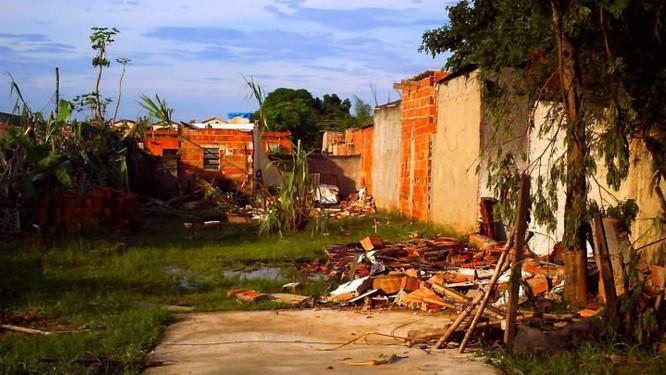 O bairro de Lagoinha, em Nova Iguaçu, foi afetado pelo tornado. Foto do leitor Luiz Fernando Conceição Gomes Eu-repórter