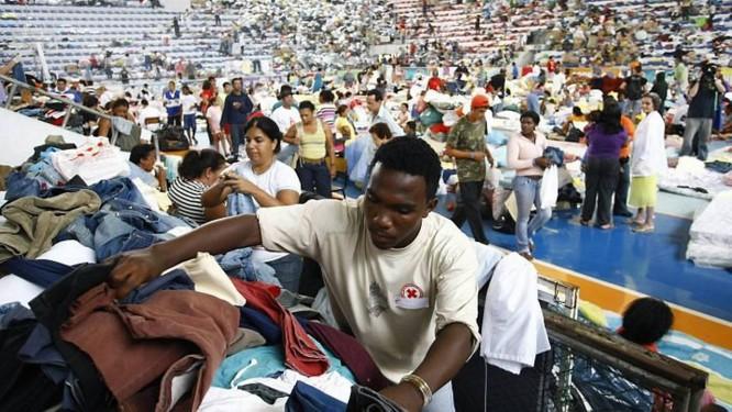 Voluntários organizam donativos em Teresópolis. Fot de Pablo Jacob