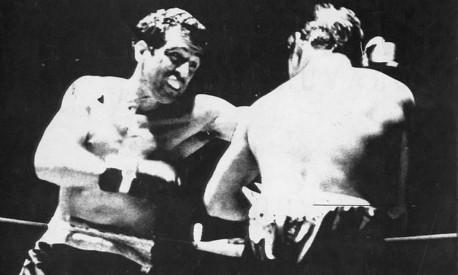 Lutador. Eder Jofre, campeão mundial de boxe, em momento 'touro indomável' Foto: Arquivo / Agência O Globo