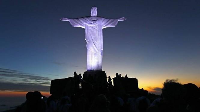 d1c1b535f8f Imagem do Cristo (Foto  O Globo)