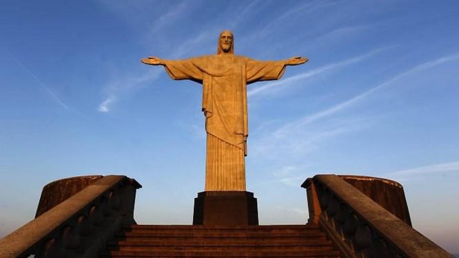 ae4be1caf2c Cristo se prepara para as comemorações dos 80 anos da estátua. Foto   Custódio Coimbra
