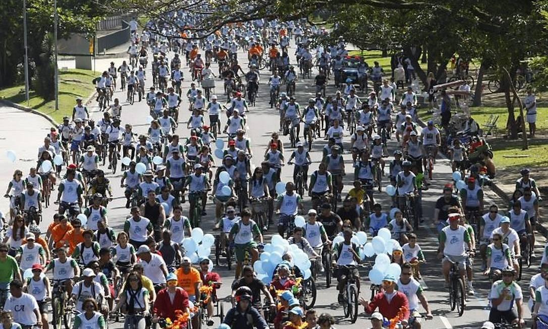 Passeio de bicicleta abre semana do Dia Mundial Sem Carro Foto: André Teixeira - O Globo