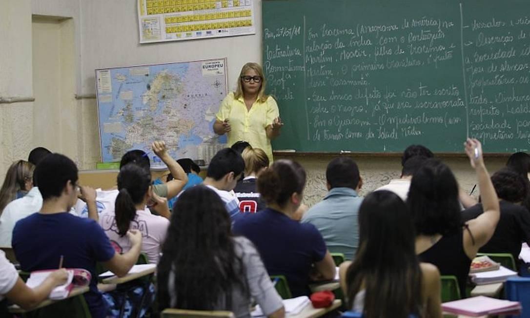 Alunos têm aula no pré-vestibular Santo André, em São Cristóvão Foto: Domingos Peixoto O Globo