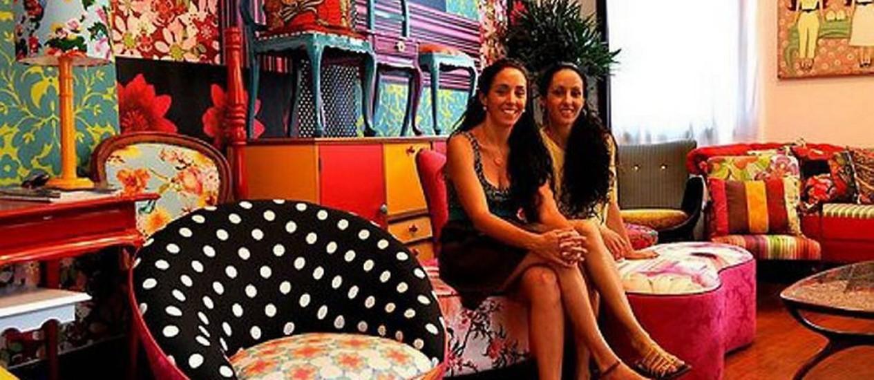 As gêmeas Joana e Julia no ateliê Lá Na Ladeira Divulgação