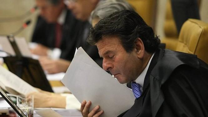 O ministro do STF, Luiz Fux, no julgamento do ex-ativista italiano Cesare Battisti em foto de Givaldo Barbosa