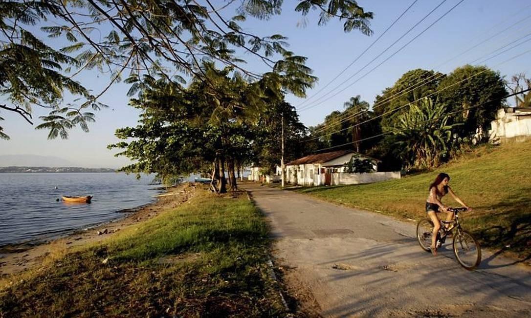 Imagens da Ilha de Bom Jesus, atrás da Ilha do Fundão (Foto: Felipe Hanower Agência O Globo)