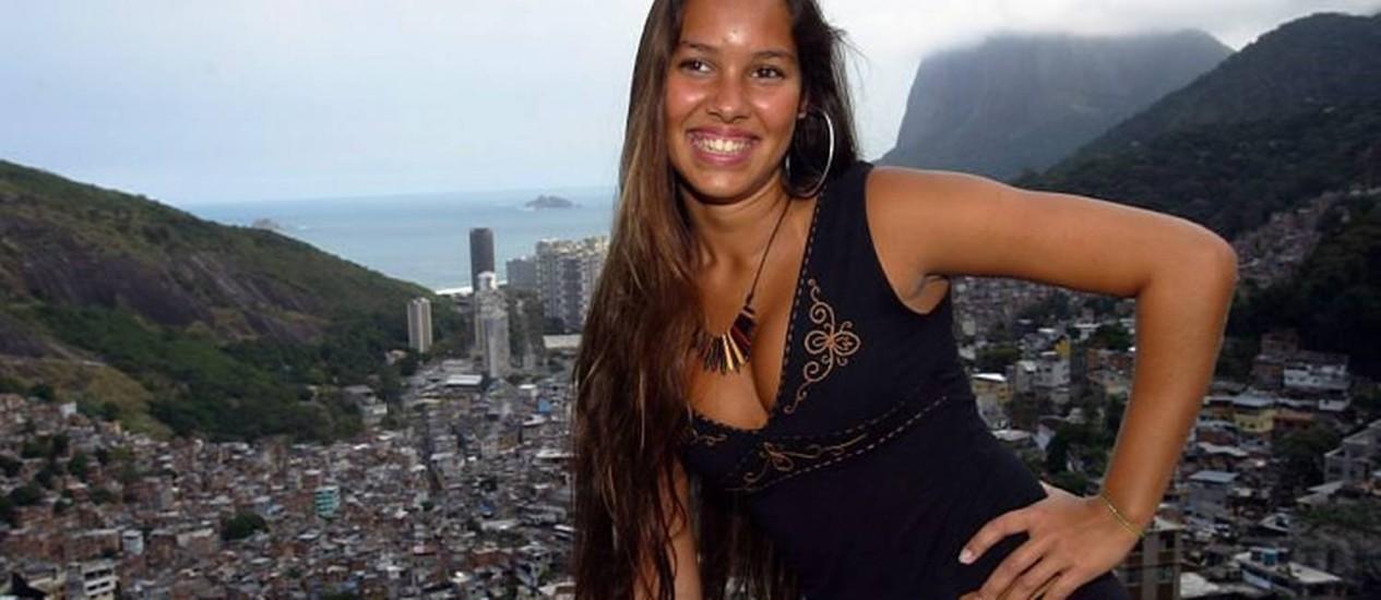 Luana Rodrigues em evento de moda na Rocinha - Foto de arquivo: Marcos Ramos - O Globo