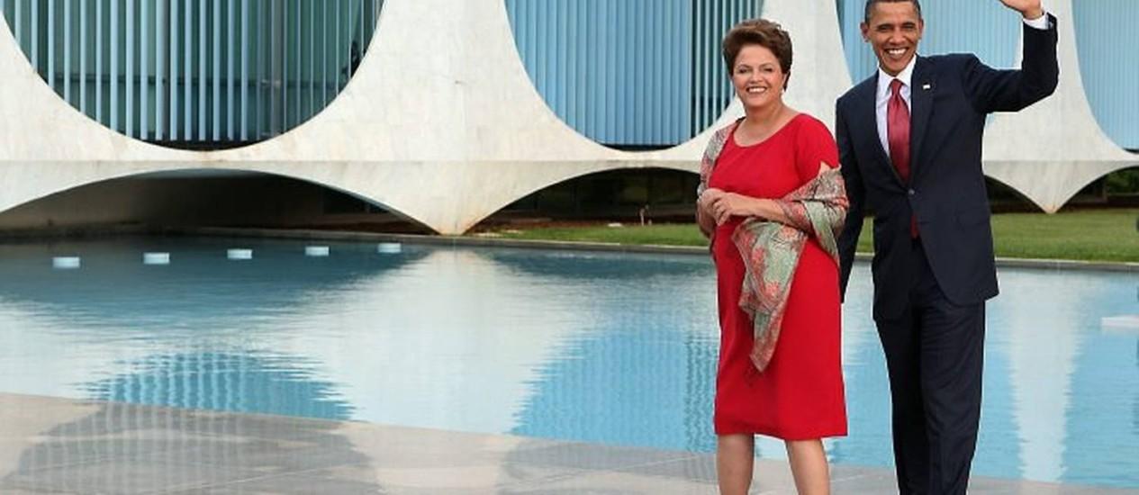 A presidente Dilma Rousseff recebe o presidente dos EUA, Barack Obama, no sábado no Palácio do Alvorada em Brasília - Gustavo Miranda O Globo