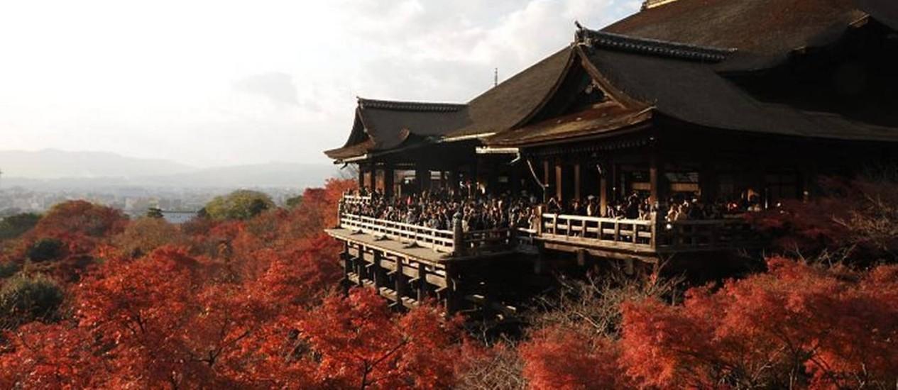 O templo de Kiyomizu no outono: o lugar tem a mais bonita vista de Kioto Foto: Y.ShimizuJNTO