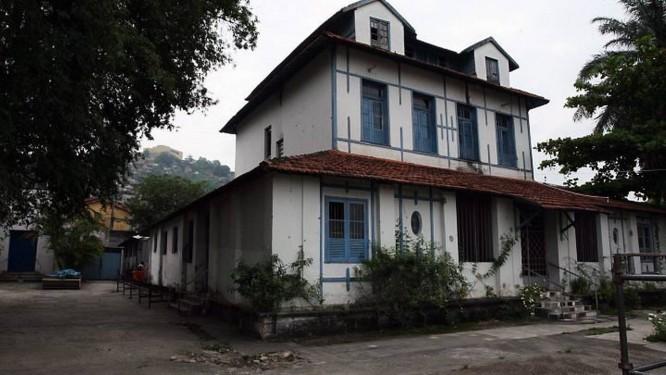 Ocupação do Complexo do Alemão. Casa da Carlota Joaquina (Foto: Marcos Tristão Ag. O Globo)