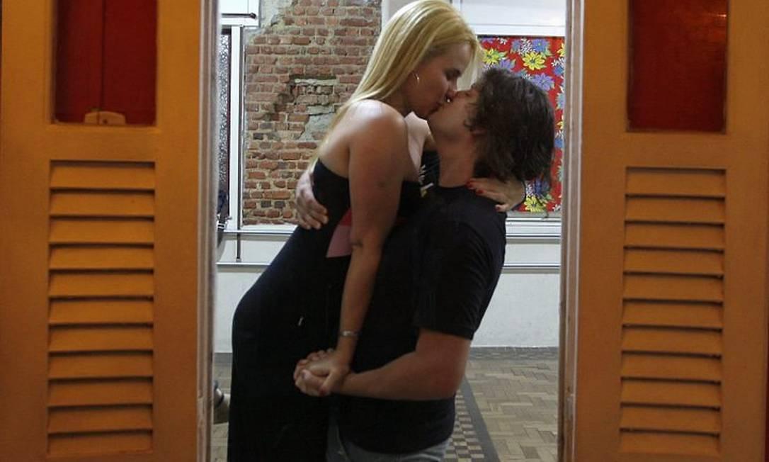 Danielle e Gabriel, na aula de dança do Reboco das Artes de Laranjeiras, onde se conheceram