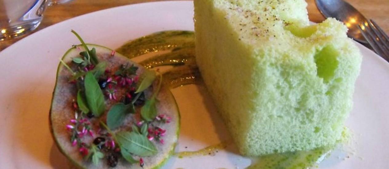 Explosão de sabor: pêra em sobremesa memorável do NomaFoto: Luisa Valle