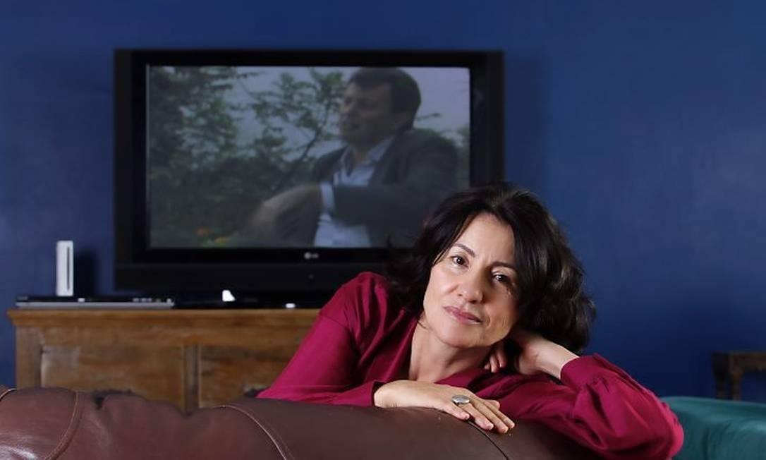 Cássia Kiss assiste a reprise da novela (Fábio Rossi)