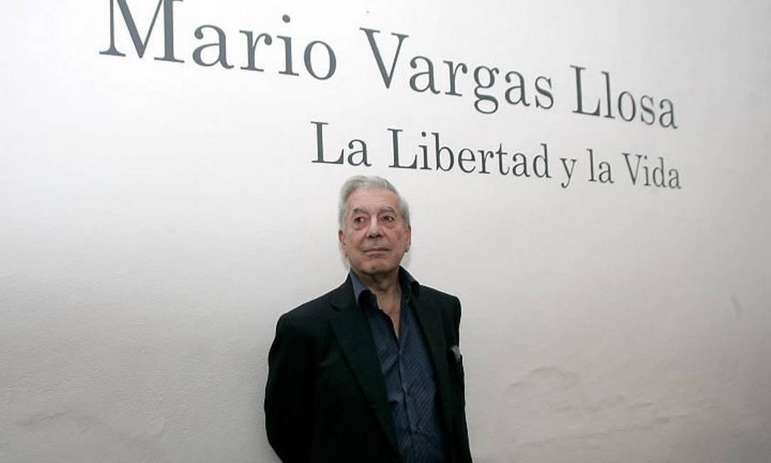 Peruano Mario Vargas Llosa em Guadalajara, em 3 de dezembro de 2009 - Reuters