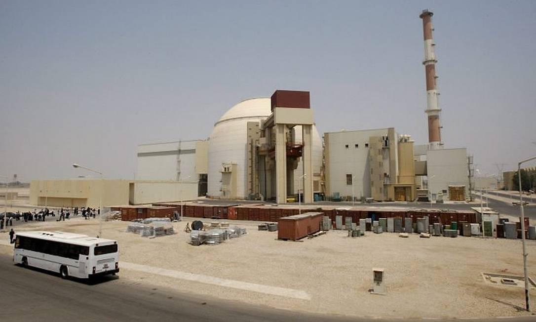 A usina de Bushehr, no Irã, foi afetada pelo vírus Stuxnet Crédito: AP