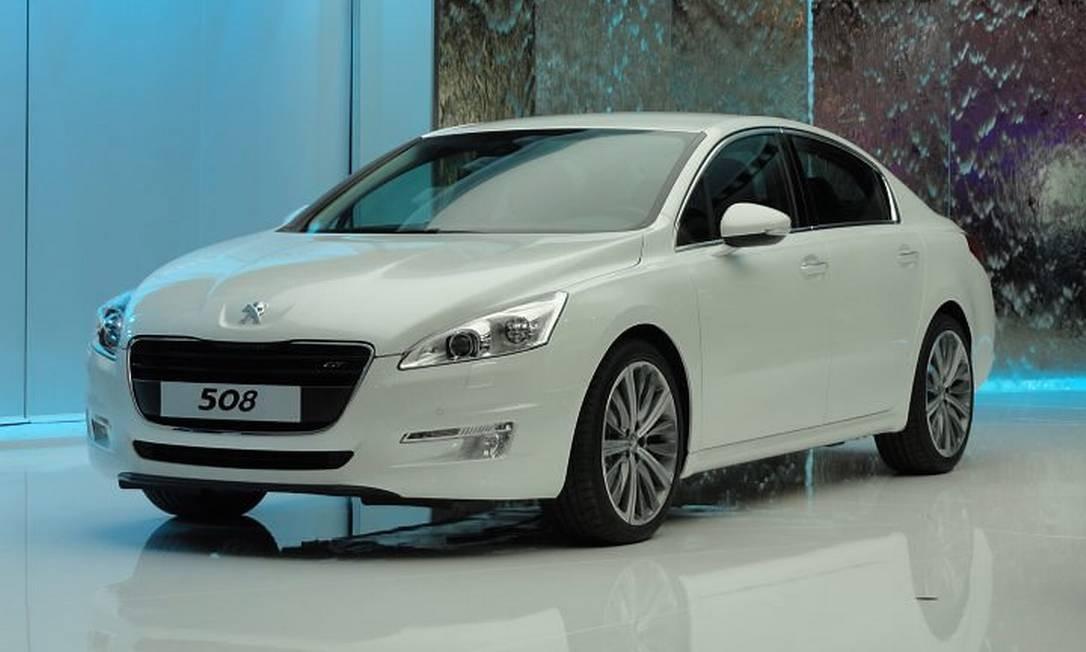 O Peugeot 508 mostra a nova cara dos modelos da marca. O carro chegará ao Brasil em 2012 Jason Vogel