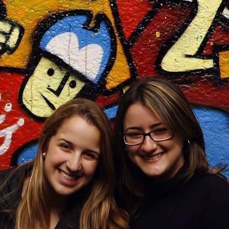 As amigas Sara e Karina vão votar pela primeira vez nestas eleições