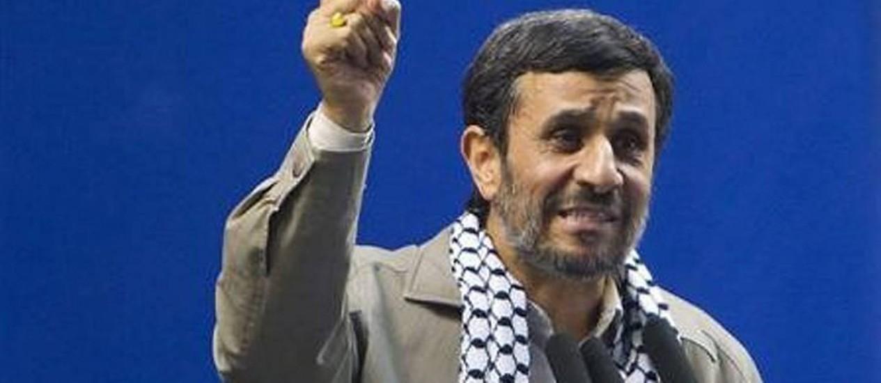 O presidente iraniano, Mahmoud Ahmadinejad, discursa nesta sexta-feira em Teerã Reuters