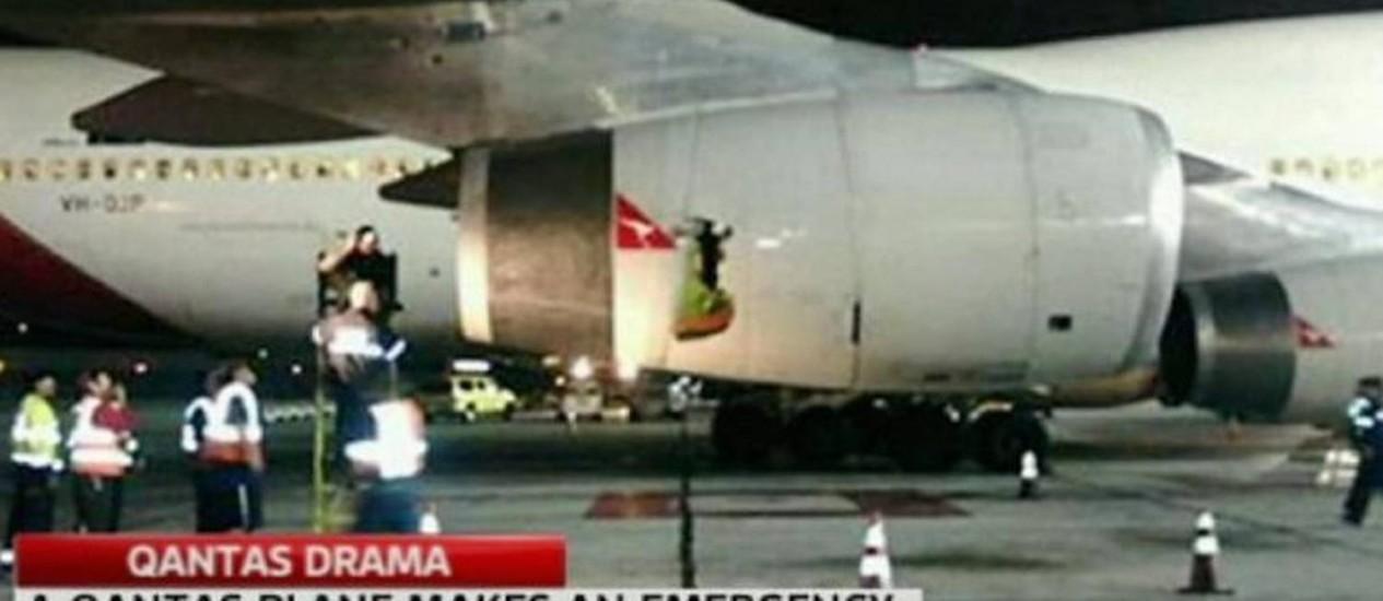 Avião da Qantas sofre explosão em turbina após decolar de São Francisco Reprodução - Sky News