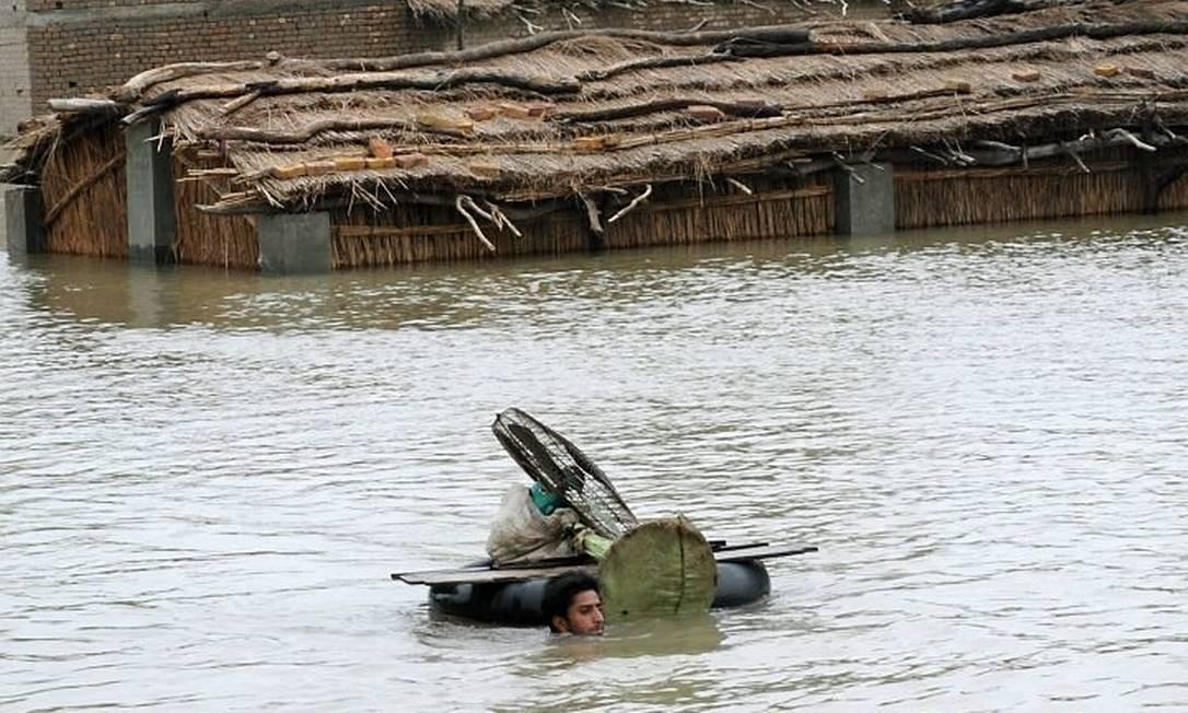 Enchente no Paquistão AFP