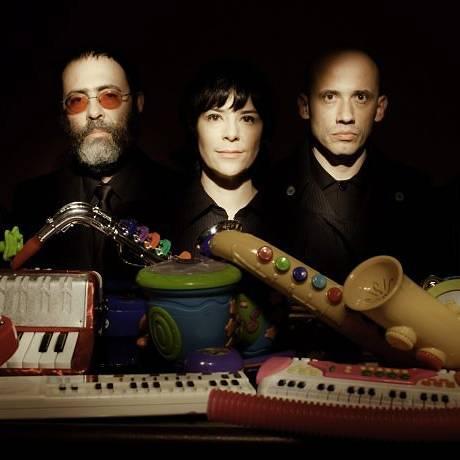O grupo mineiro Pato Fu lança o disco 'Música de brinquedo' Divulgação