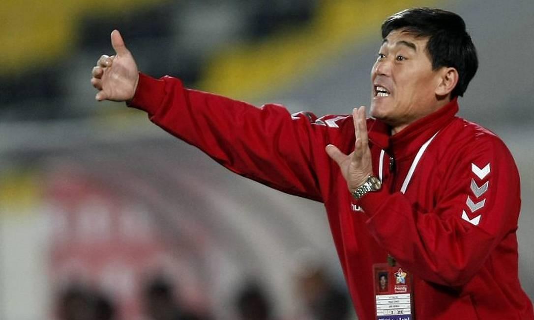 Kim Jong Hun, técnico da seleção da Coreia do Norte - Foto: Arquivo