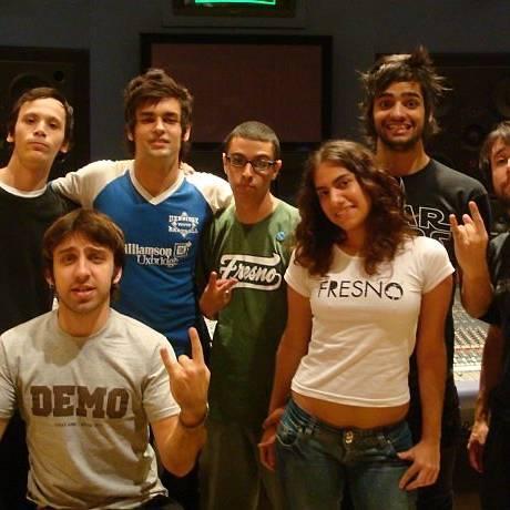 Galera do FresnoBR com a banda Foto de arquivo pessoal