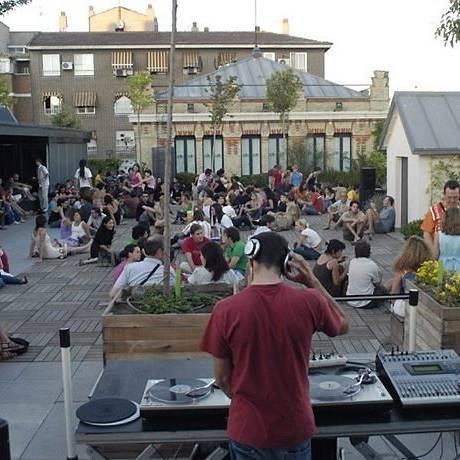 Noites quentes com DJ no centro cultural La Casa Encendida Foto: Divulgação