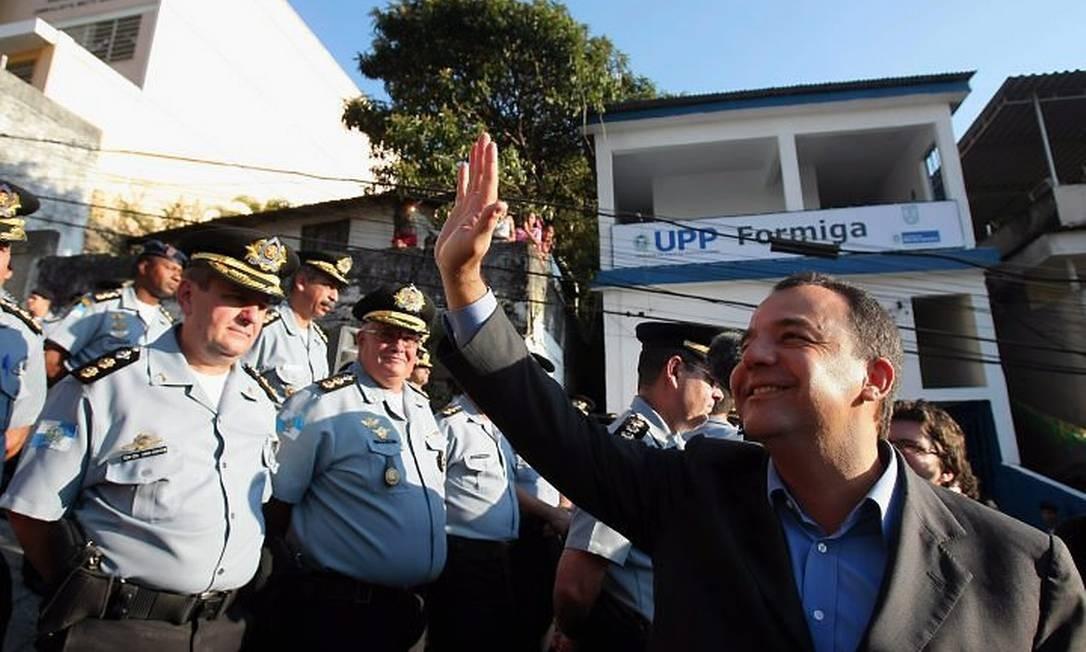 SÉRGIO CABRAL durante a inauguração da UPP do Morro da Formiga Foto de Domingos Peixoto - O Globo