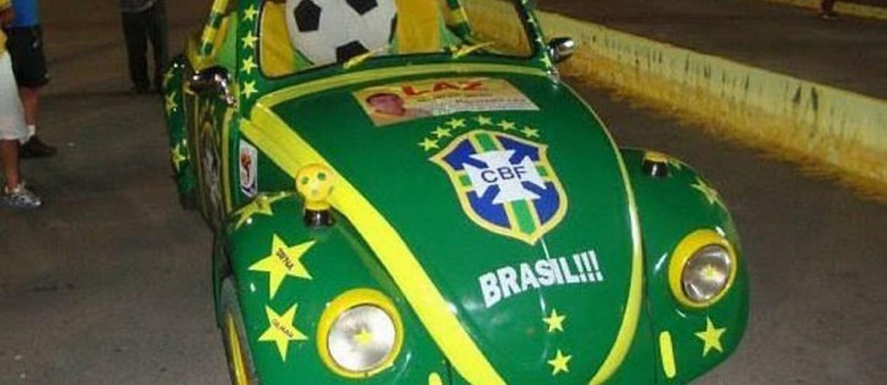 Eu-Repórter: Leitor mostra carro decorado com as cores do Brasil, para fortalecer a torcida, durante a Copa Foto do leitor Emerson Matos