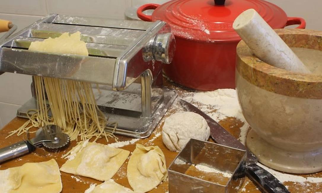 Pechichas em Orlando: pilão de mármore e máquina de fazer massa a US$ 20 cada e panela Le Creuset, a US$ 100 Foto: Bruno Agostini