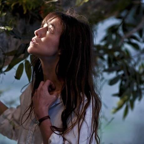 A atriz e cantora Charlotte Gainsbourg Divulgação