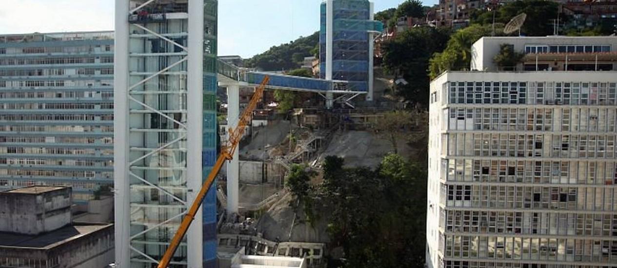 AS TORRES do Elevador Rubem Braga: a maior tem 65 metros de altura Foto de Gabriel de Paiva