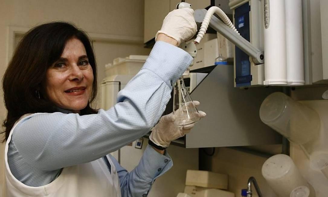 A geneticista Mayana Zatz fala da distância entre as descobertas científicas e suas aplicações na vida real Foto: Eliária Andrade