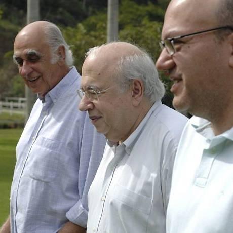 Zuenir Ventura, Luis Fernando Verissimo e Arthur Dapieve no livro 'Conversa sobre o Tempo' Foto: DivulgaçãoBruno Veiga