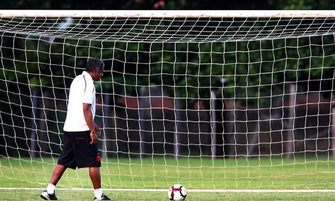 Andrade. Foto de Ivo Gonzalez - O Globo - 22.4.2010