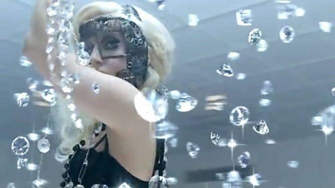 Lady GaGa no clipe de 'Bad romance' Reprodução