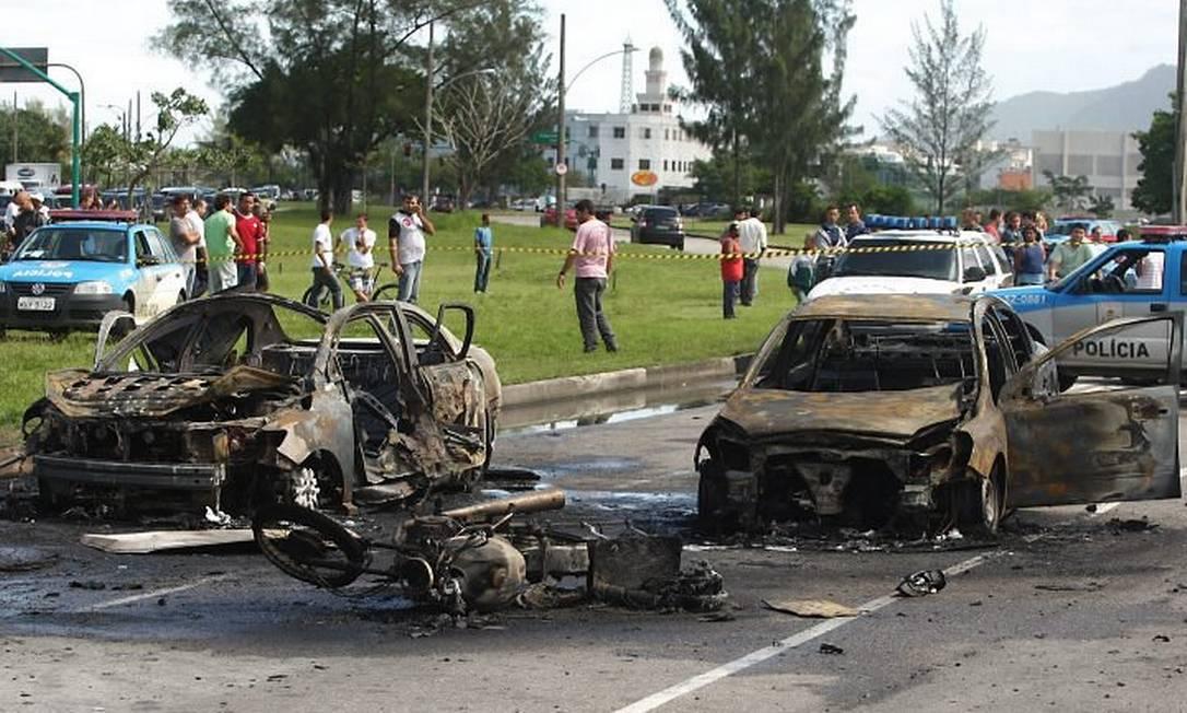 Em 2010, atentado no Recreio custou a vida do filho do contraventor Rogério Andrade Foto: Gabriel de Paiva / Agência O GLOBO