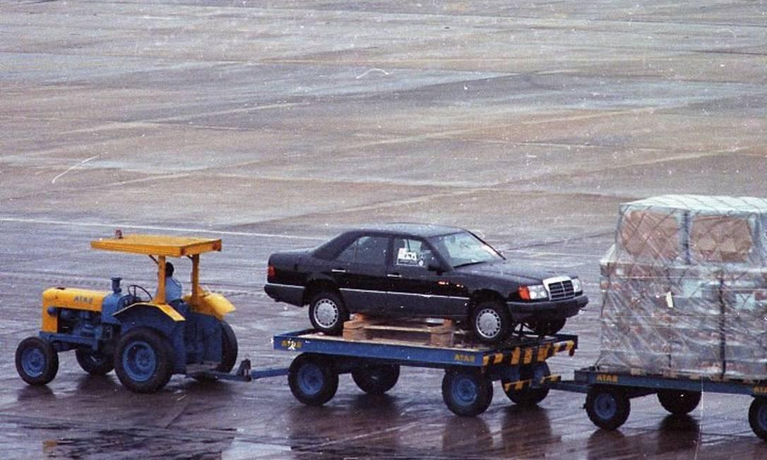 Mercedes 300 E, primeiro carro importado após o plano Collor