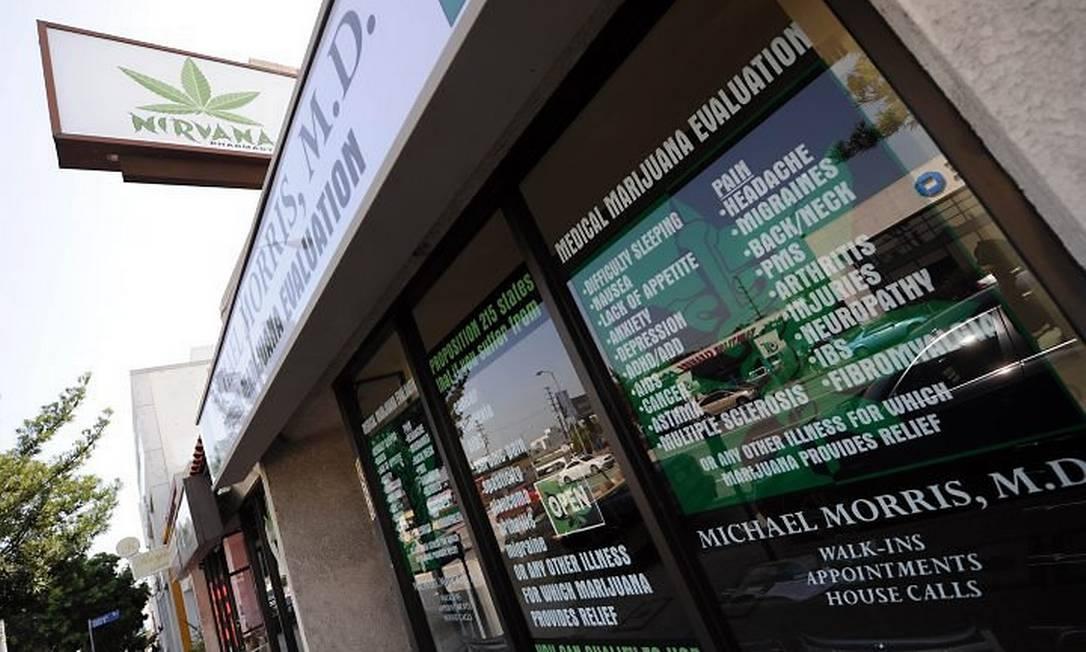 Fachada da Farmácia Nirvana, uma das lojas na Califórnia onde se pode comprar maconha para fins medicinais AFP