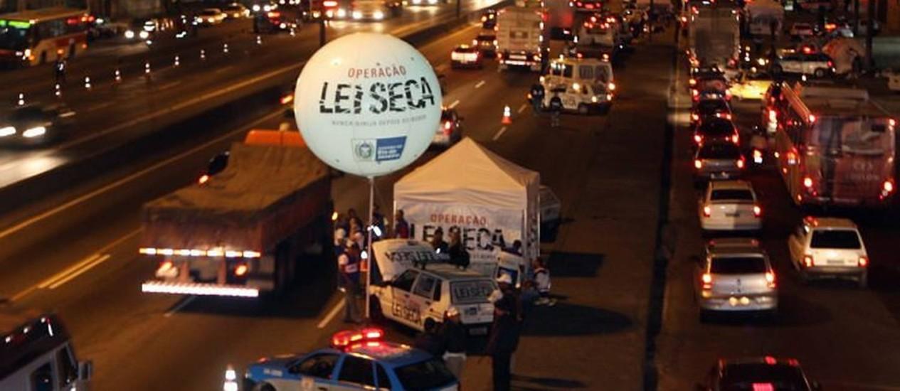 Operação Lei Seca na Avenida Brasil. Foto: Divulgação Rogério Santana
