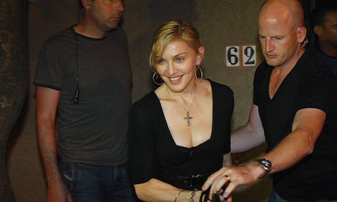 Madonna deixa o Restaurante Aprazível em Santa Teresa. Foto: Fernando Quevedo Agência O Globo