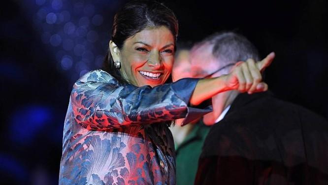 Laura Chinchilla comemora a vitória na Costa Rica - AFP